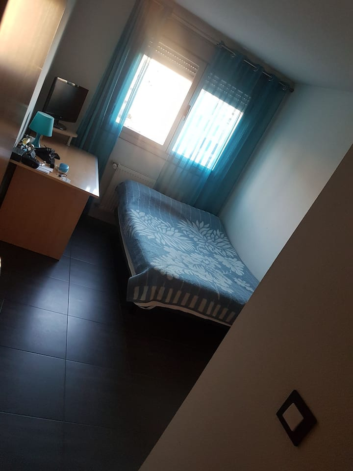 Habitacion por noches Alcorcon/ room night B&B