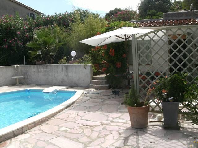 studio les agapanthes - La Croix-Valmer - Guesthouse