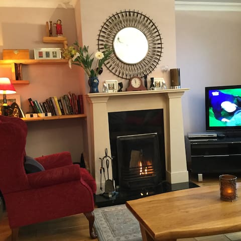 Large 5 bedroom in Dingle area, 5 minutes to beach