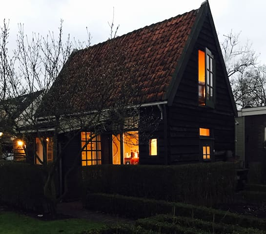 Cosy heated cottage near Amsterdam