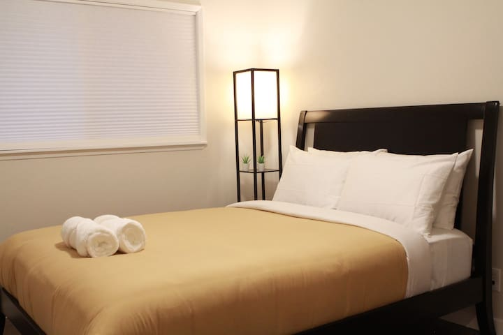 Cozy Guest House for a Great Night Stay (787 Room)