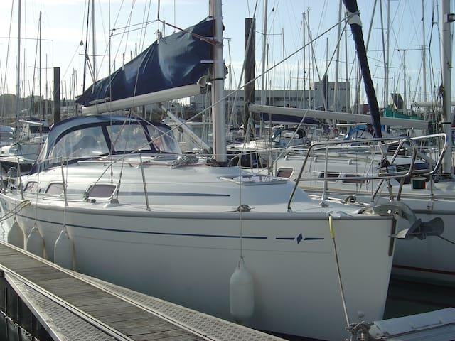 Bateau à quai pour  séjour insolite - La Rochelle - Barco