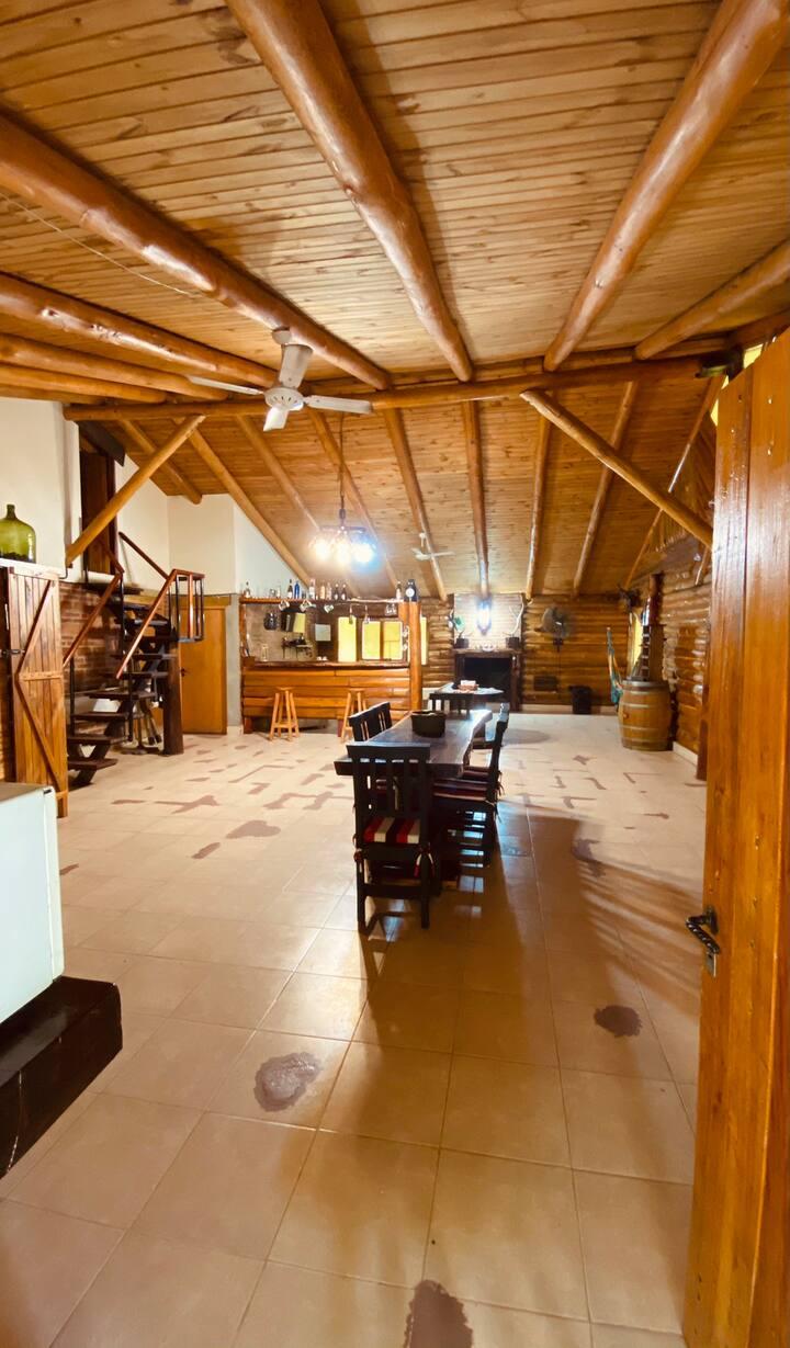 Cabaña de troncos macizos (Solid logs cabin)