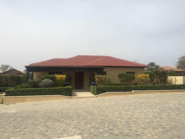 Beautiful villa in the Negev Desert - אשלים - Hus