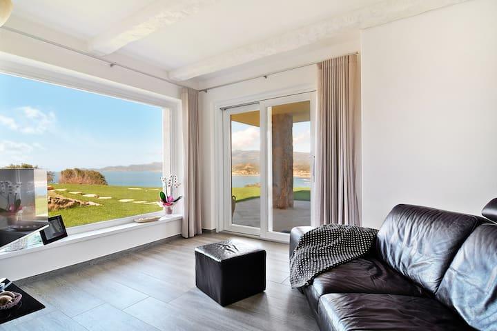 Villa Miradas A breathtaking sea view home in Bosa