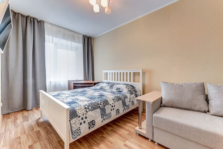 1 комнатная квартира у метро Пионерская