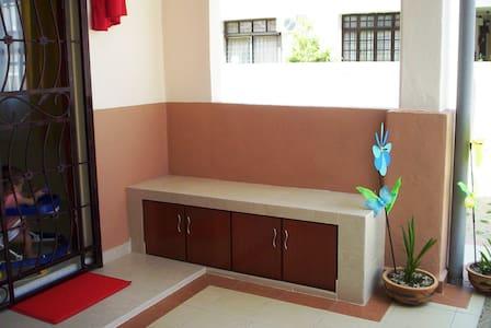 Sweet Home - Simpang Ampat - 独立屋