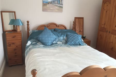 Double en-suite bedroom - South Shields
