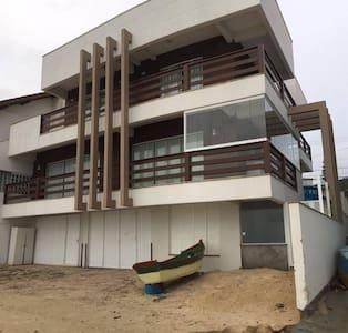 Casa beira-mar em Bombinhas! - Bombinhas - Arazi Evi