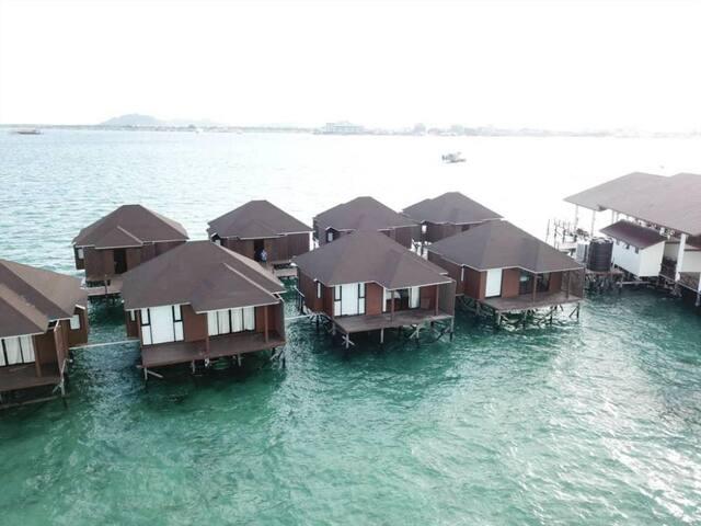 Floating Resort Semporna