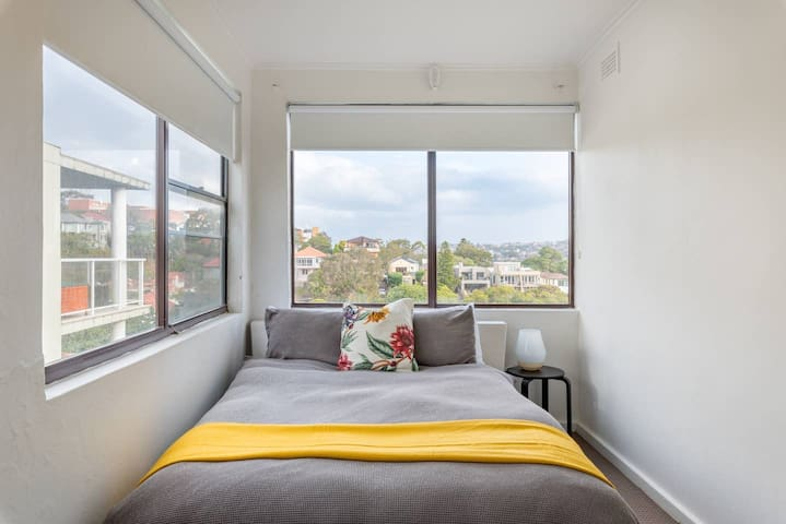 Double Sunny Room in Rose Bay