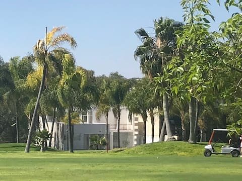 """JAGUARAS"" LOVELY SUITE GOLF COURSE JURIQUILLA"