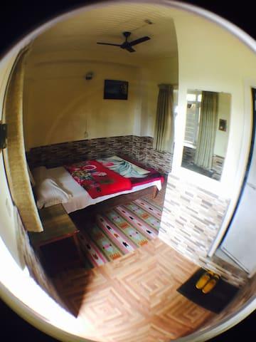 New Solitary Inn (D)
