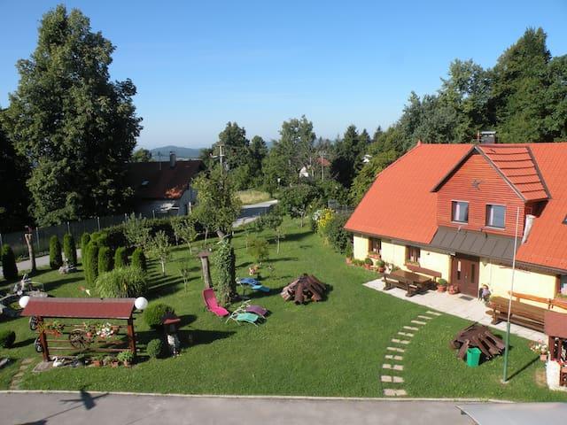 Farm stay Pr Lavrič - Mala Sela - Guesthouse