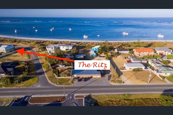 The Ritz On The Bay. Luxury for you. - Lancelin - House