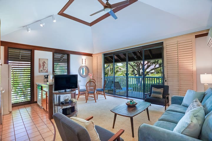 Kiahuna Corner Condo w/ AC Steps to the Beach! #40