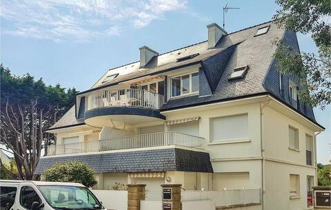 Beautiful apartment in Fouesnant with WiFi and 1 Bedrooms