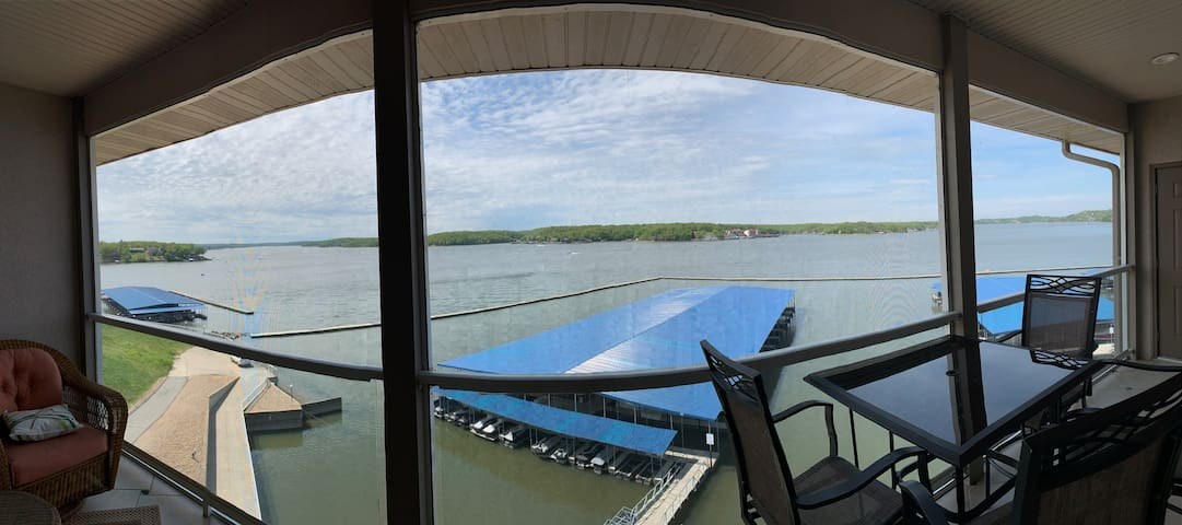 Breathtaking View of Lake of the Ozarks!!