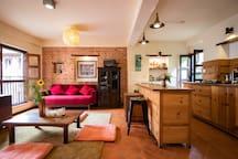 Independant Bedroom in beautiful Newari  House