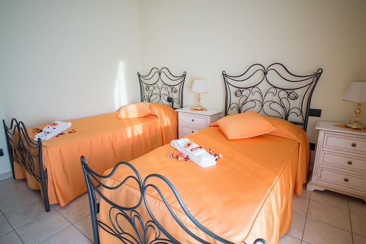 Villa Marchesa - Twin Room