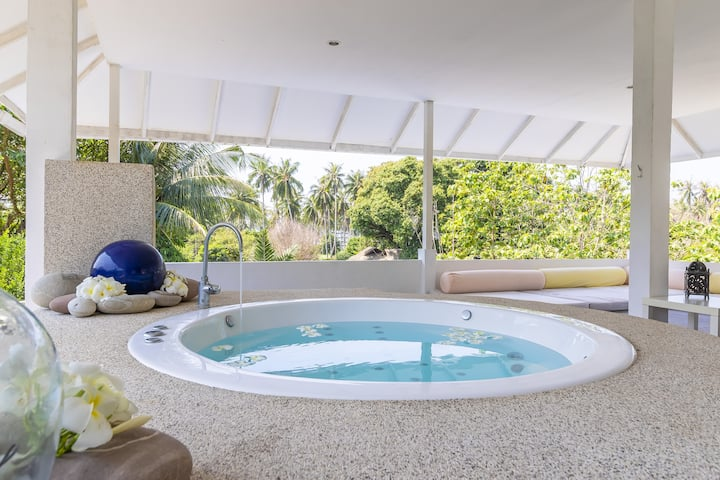 Spacious 3 bed home, close to beach and amenities