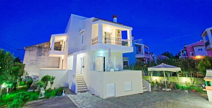 Villa Amelia: Modern villa, superb location