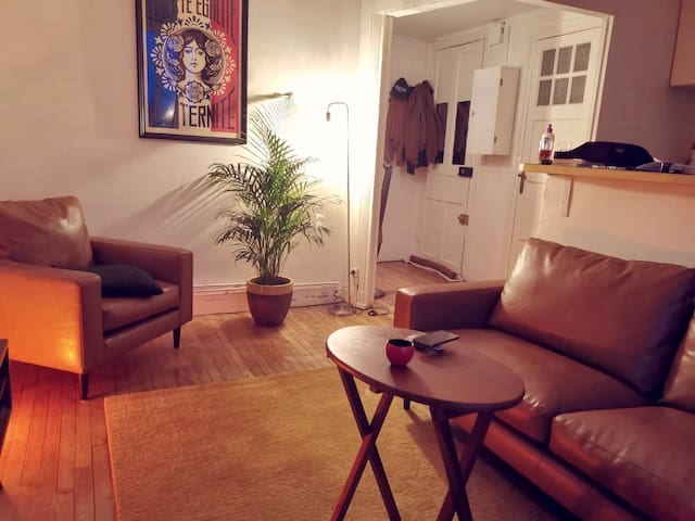 Cosy 2 rooms 35 m2 with direct access to subway