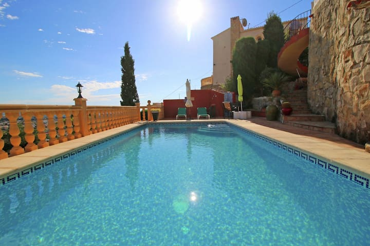 Vintage Holiday Home in Calpe with Private Pool