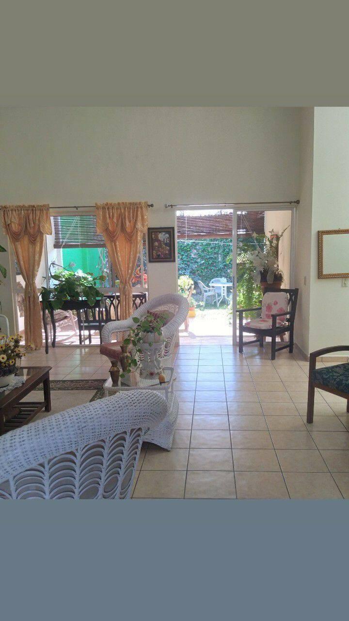 Se alquila habitación en Bosques de Lourdes