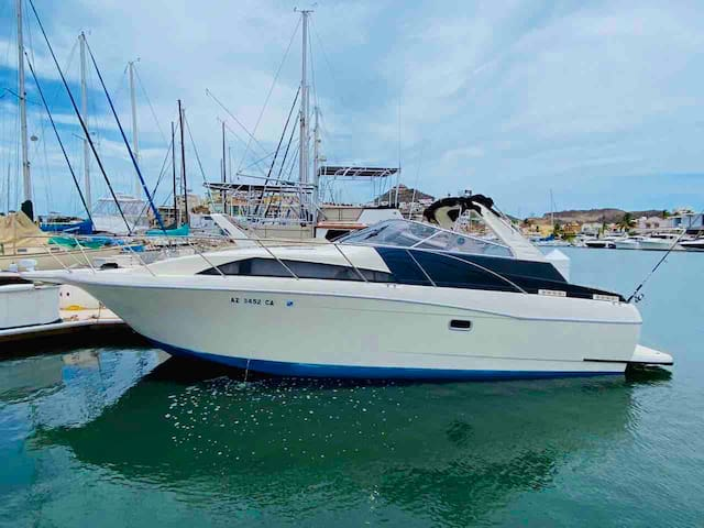 Luxury Yacht Cruiser 34 ft