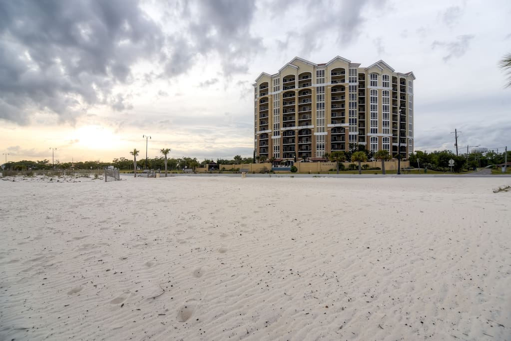 You can't beat this property's incredible location, situated on the Biloxi coast.