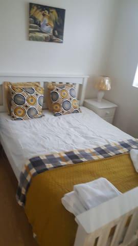 Cosy Double Room with En-Suite