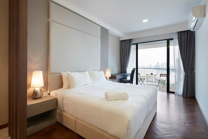 PROMO!! Seaview Premier Suite with Balcony (3)