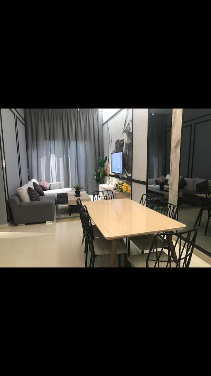 CY Majestic Homestay 7 (Condo with Private Garden)