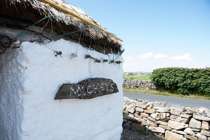 Mamore Cottage (Mickey's)