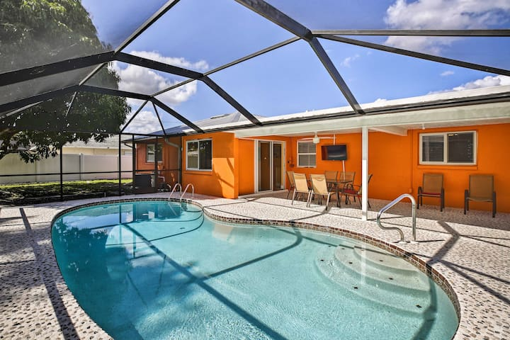 NEW! Cape Coral Getaway: Beach, Dine & Golf Nearby
