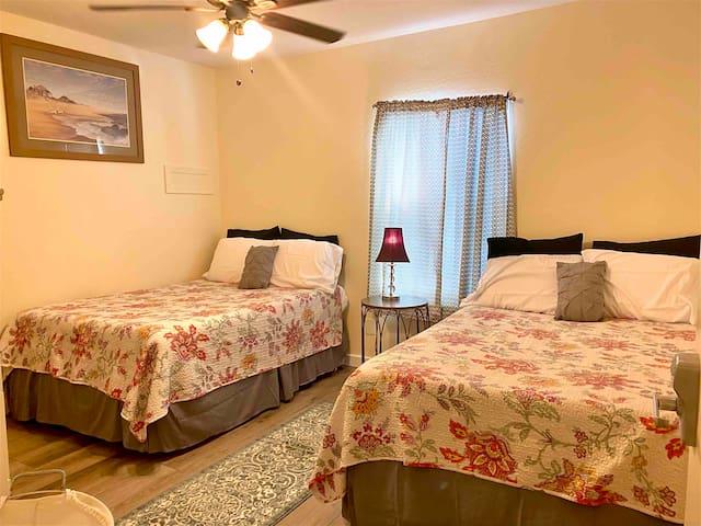Coronado House Room No. 1 - Prime Central Phoenix!