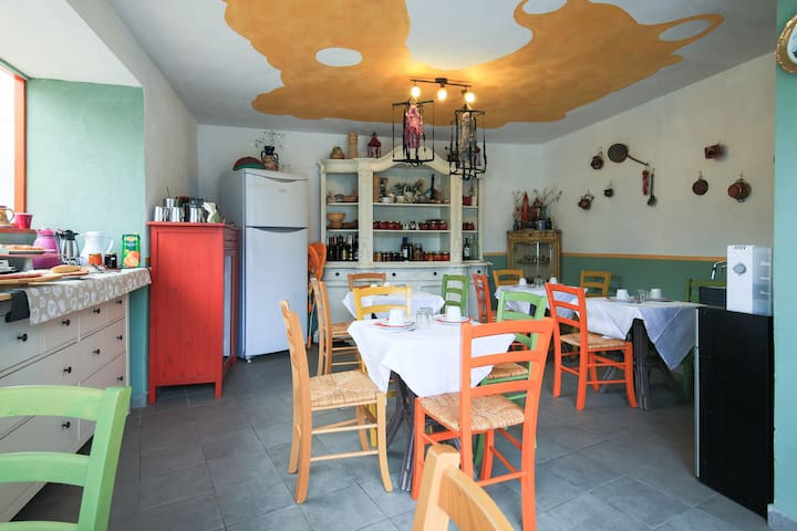 "Apartment in Villa a 3km from See"" - Albenga - Apartment"