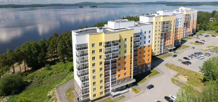 Квартира у озера
