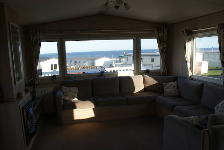 Immaculate 3-Bed Caravan in Hartlepool