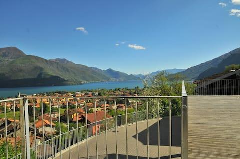 Terrazza stupenda vista lago