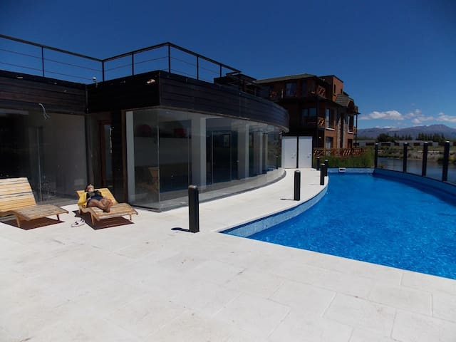 Superb Loft lakeshore with climatized pool - San Carlos de Bariloche - Loft
