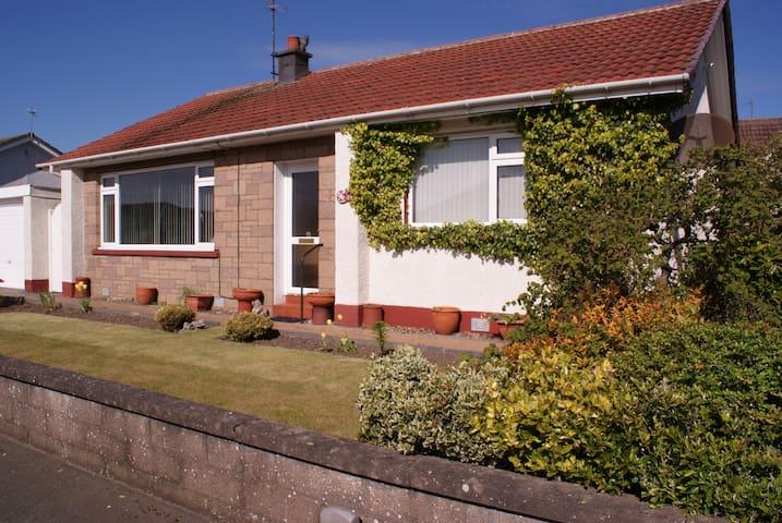 Garden Cottage Bungalow Central Arbroath