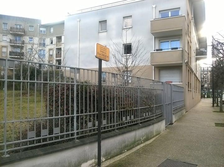 Le Bourget : logement entier