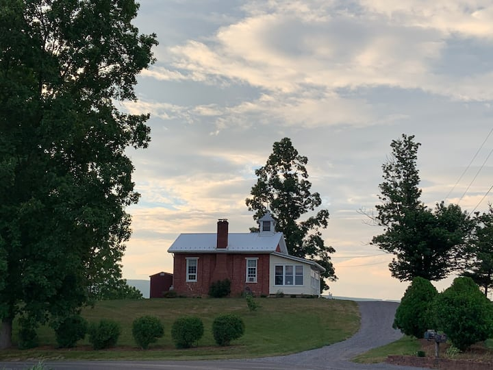 Hilltop Cottage