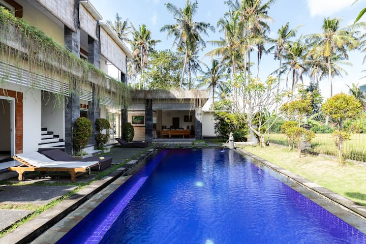 4 Bedrooms Villa with rice field view