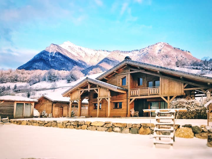 Charming chalet with SPA* near ski stations