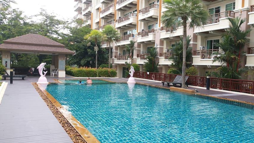 Luxury Studio Apartment Pool View Pool+Gym+Sauna