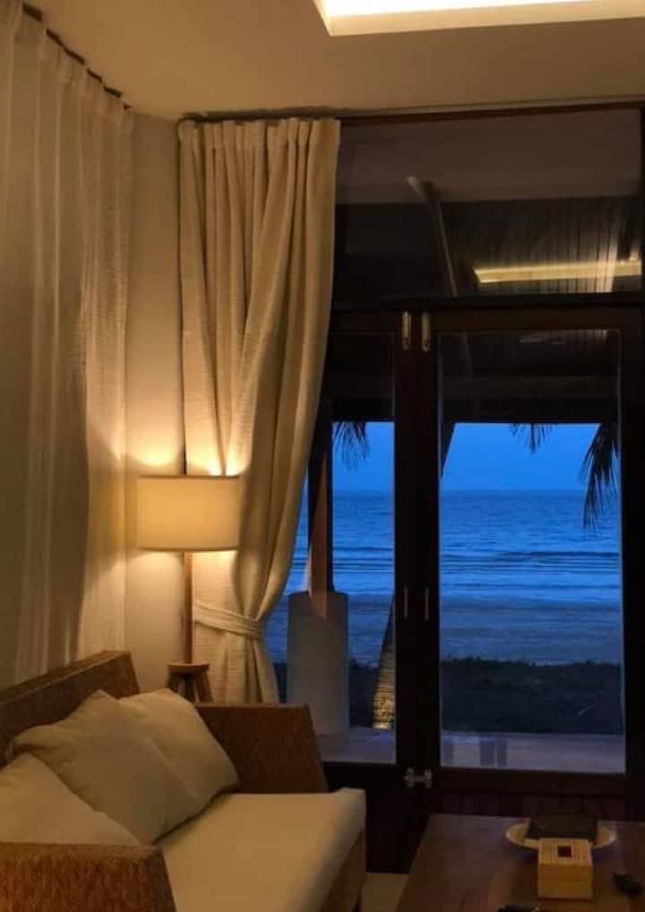 ma lae lay / beach house