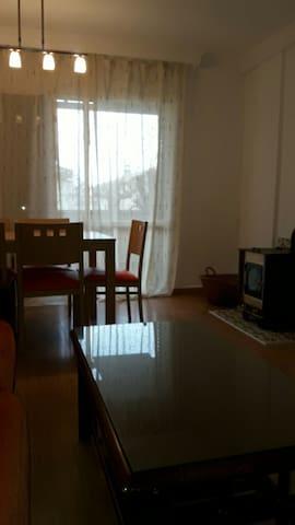 casa de 2 plantas y torreon con piscina 8 plazas - Monachil - Casa